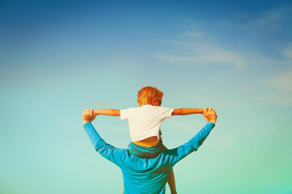 Bruckner Hernandez Divorce Child Issues Dad Holding Kid